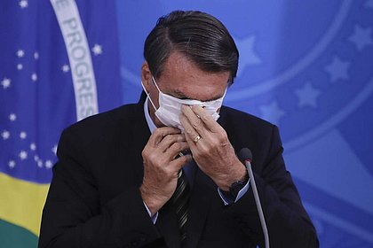Governo recorre de decisão judicial que obriga Bolsonaro a usar máscara nas ruas