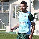 Novo zagueiro do Vitória, Thalisson Kelven se profissionalizou no Coritiba