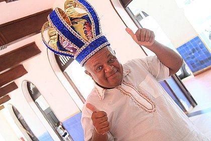 Renildo Barbosa foi eleito Rei Momo 2019 e candidato ao posto de comandante da folia em 2020