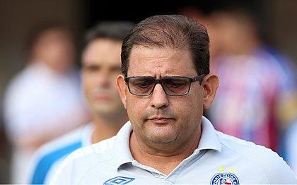 Guto Ferreira não ficou satisfeito com a atuação da equipe no Beira-Rio