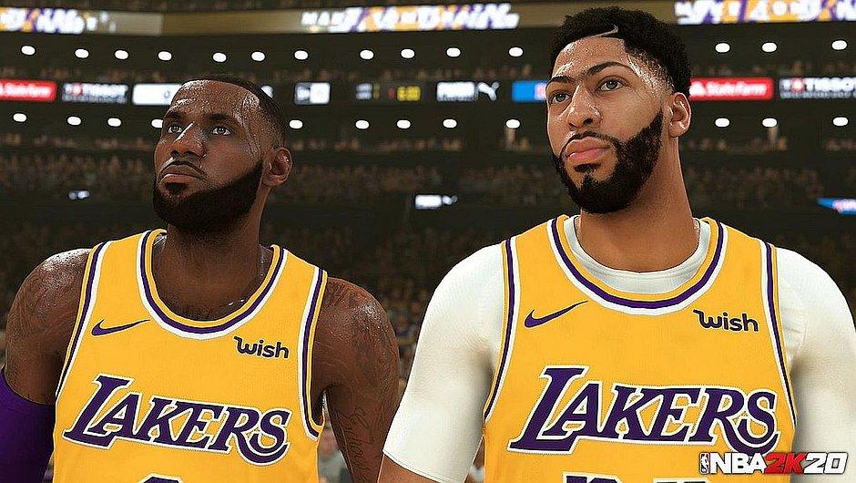 LeBron James e Anthony Davis, ambos do Los Angeles Lakers, em tela do NBA 2k20