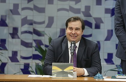 Articulador político, Rodrigo Maia rejeita disputar cargo no Executivo