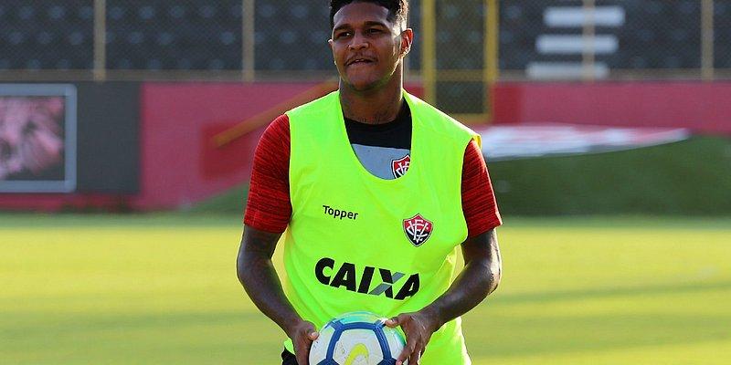 Com reforços, Leão convoca atletas para jogo contra o Corinthians