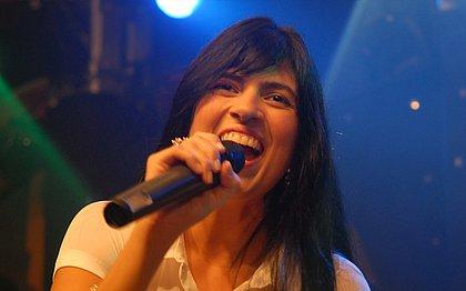 Cantora gospel Fernanda Brum sofre acidente de carro no Rio