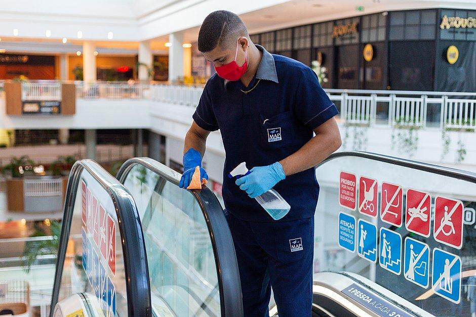 Para retorno, shoppings contratam tecnologia para matar vírus e adotam protocolo de hospital