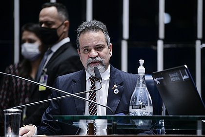 CPI da Covid ouve ex-número 2 de Pazuello na Saúde; saiba quem é Élcio Franco
