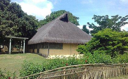 Serra da Barriga Abriga o Parque Nacional Quilombo dos Palmares, com réplicas de habitações onde os quilombolas viviam