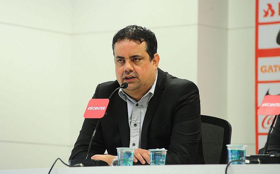 Jorge Macedo fica no Vitória até 2019
