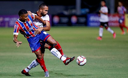 Bahia e Vitória desperdiçaram boas chances e ficaram no empate sem gols em Pituaçu