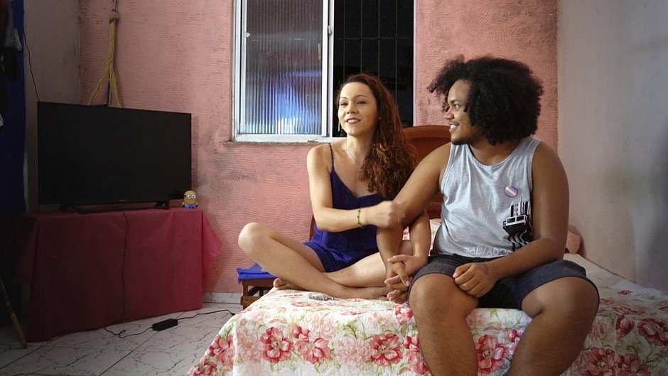 Isa e Rafa, entrevistados do primeiro episódio da série