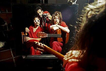 Banda paulista O Terno apresenta novo álbum no TCA nesta sexta (23)