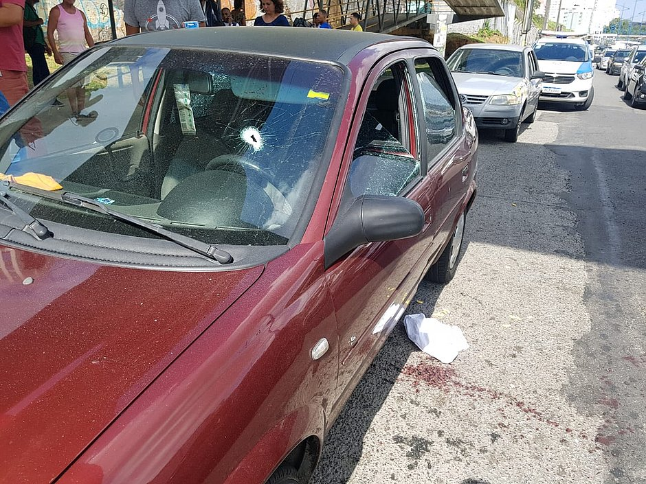 Tentativa de assalto termina com um morto e um ferido na Heitor Dias