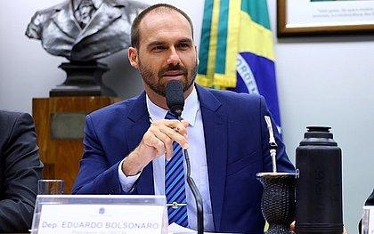 Eduardo Bolsonaro vai a festa em Maresias durante a quarentena