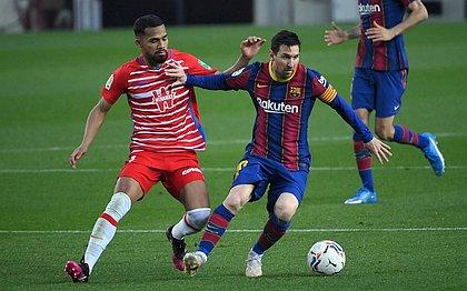 Messi fez o primeiro gol do duelo, mas o Barcelona sofreu a virada