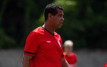 Técnico Rodrigo Chagas não comanda mais o time do Vitória