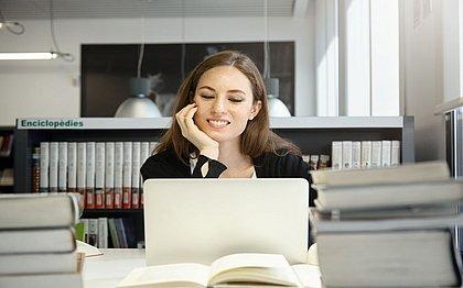 Plataforma oferece diversos cursos gratuitos para aprender em casa; confira