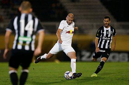 Uillian Correia joga no Bragantino, vice-líder da Série B