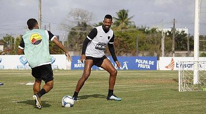 Volante Everton Heleno reforça o Botafogo-PB em duelo contra o Bahia