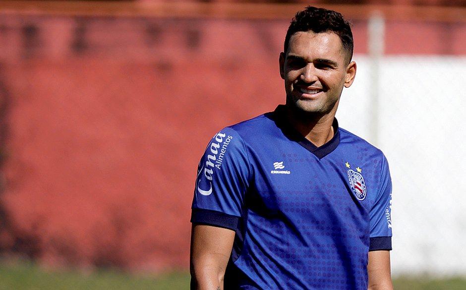 Primeiro gol de Gilberto no Bahia foi contra a Chape. Amanhã ele tentará repetir a dose