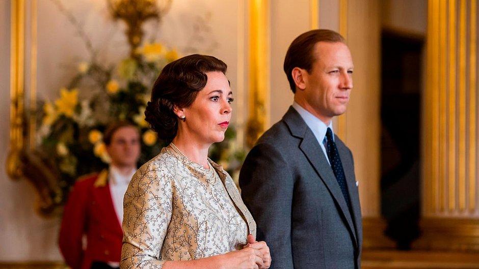 Casal real agora é interpretado por Olivia Colman e Tobias Menzies