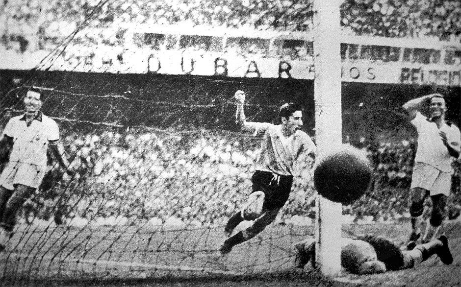 Em 1950, uruguaios frustraram os brasileiros e conquistaram a Copa do Mundo no Maracanã