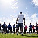 Roger Machado conversa com elenco durante treino na Cidade Tricolor. Ele terá a missão de comandar o Bahia na Copa do Nordeste e Baianão