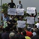 Motoristas de aplicativo fizeram um protesto exigindo segurança para trabalhar