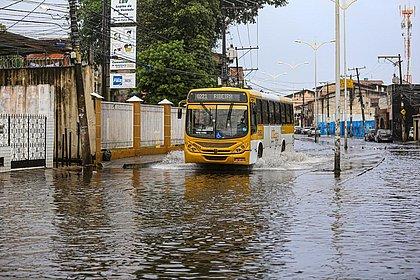 Mau tempo vai permanecer em Salvador até o próximo domingo