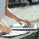 Para garantir sucesso no comércio virtual, é preciso apostar no relacionamento com o cliente e no planejamento estratégico