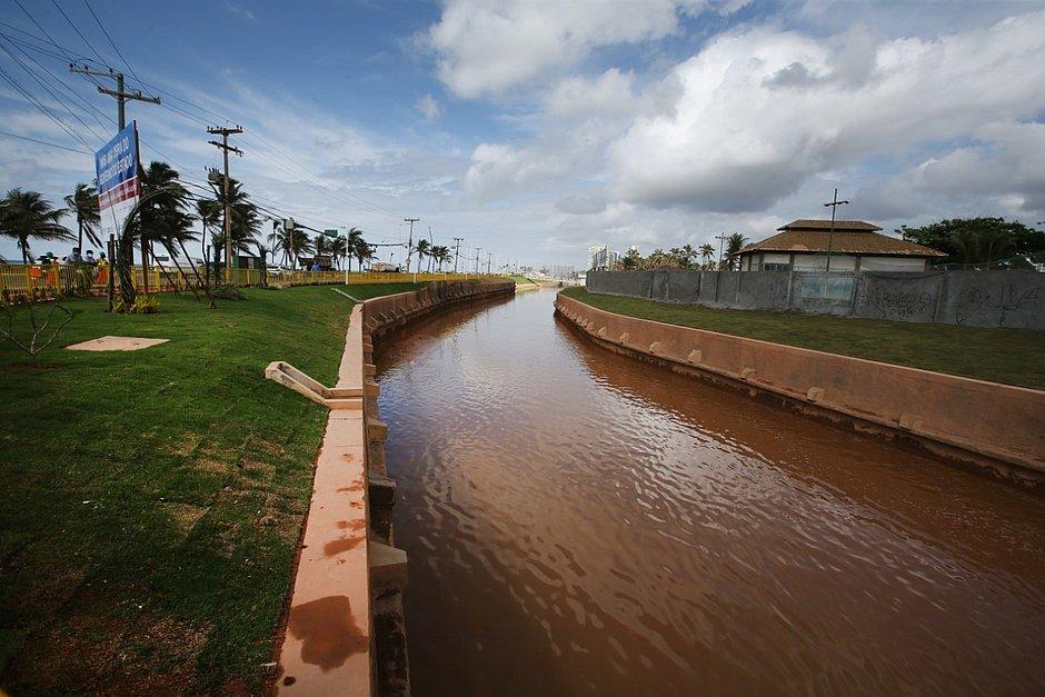 Rui Costa entrega obra de macrodrenagem do rio Jaguaribe