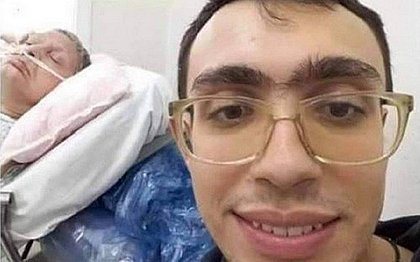 Bolsonarista posta selfie sem máscara ao lado de mãe em hospital