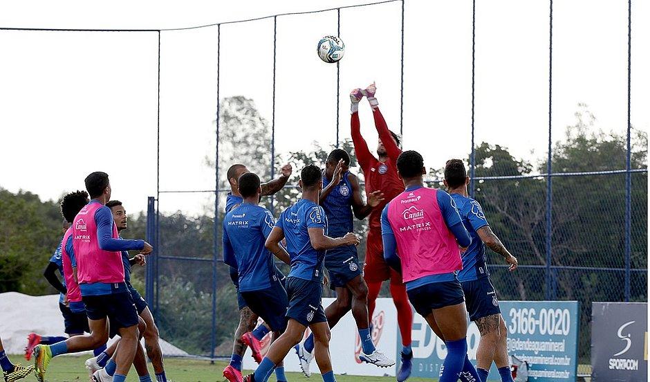 Bola aérea tem sido sufoco para a defesa do Bahia na Série A do Brasileirão