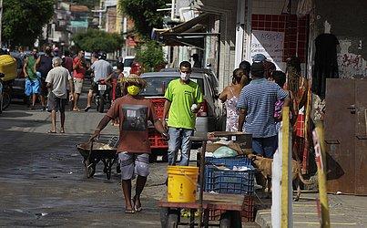 O bairro de Periperi, no Subúrbio Ferroviário, teve seu primeiro dia de medidas restritivas regionalizadas nesta quinta-feira (28).