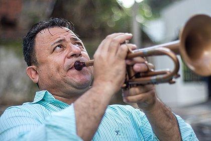 Sopro de solidariedade: músico doou mais de duas toneladas de alimentos em Salvador