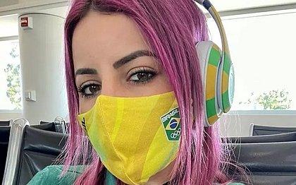 Letícia Bufoni abandona cabelo rosa e surge loira; veja resultado
