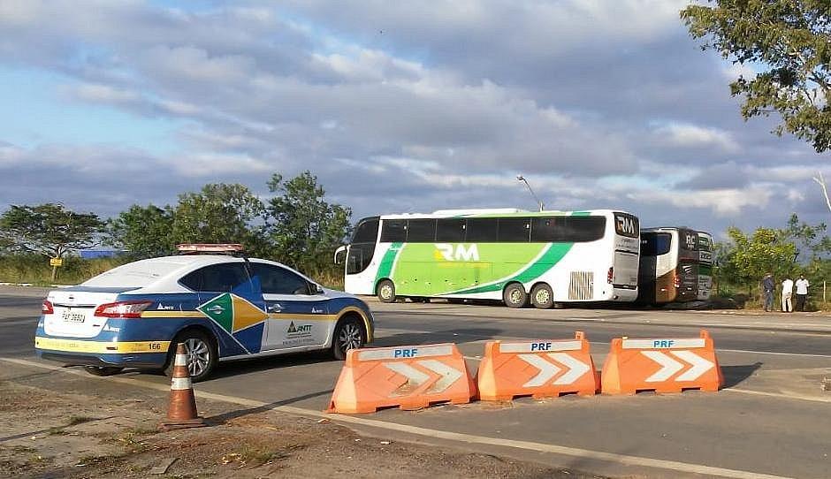 Operação apreende sete ônibus que faziam transporte irregular de passageiro na Bahia