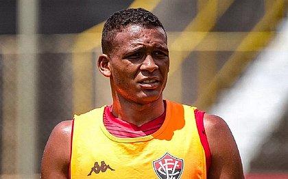 Gabriel Bispo é homem de confiança do técnico Rodrigo Chagas no meio-campo do Vitória