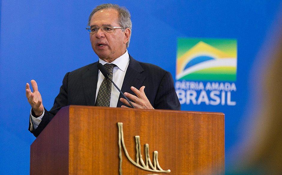 Guedes: População mais frágil, mais pobre, terá acesso ao FGTS