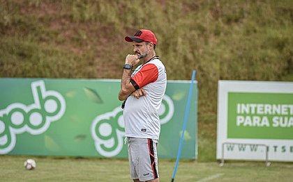 Técnico Wagner Lopes tem a missão de fazer o Vitória voltar a vencer na Série B do Brasileiro