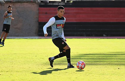 Léo Gomes terá chance contra o Jacuipense