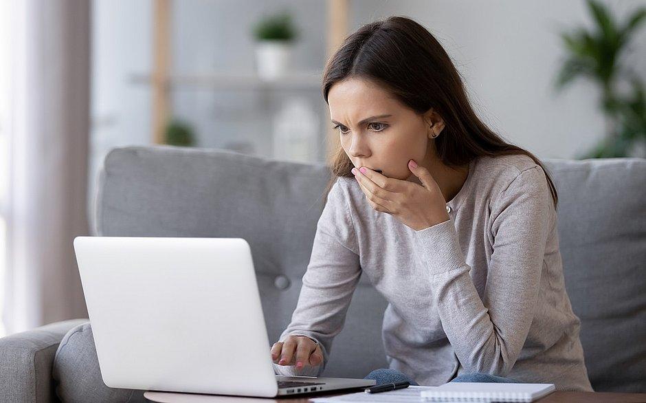 Mulher resolve assistir a pornô gay e descobre que marido era um dos atores