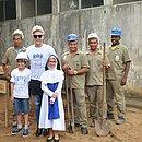 Paulo Gustavo em visita às Osid no dia 29 de junho de 2017, ao lado de Beatriz Bouzas, Gabriel Weber (esquerda) e Marival Santos (direita)