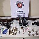 Com a quadrilha foram apreendidos duas pistolas calibres 9mm e 380, uma espingarda calibre 12 e um revólver calibre 38
