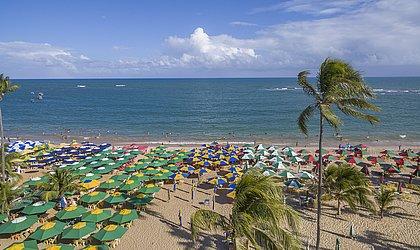 Praia de Guarajuba recebe certificação Bandeira Azul