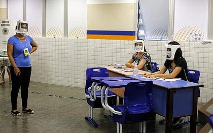 Mesários de colégio no Itaigara de falta de água: 'Não tem para beber'