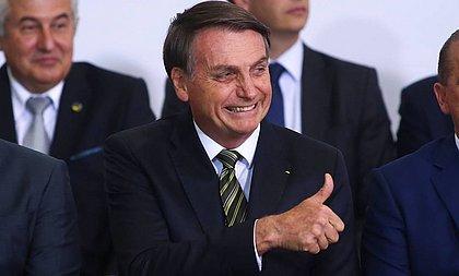 Bolsonaro comemora aprovação do PL dos Correios e projeta lucro de R$ 3 bi