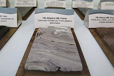 Rochas ajudam a explicar o processo de extração do petróleo