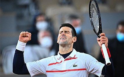 Djokovic enfrentará Tsitsipas na semifinal