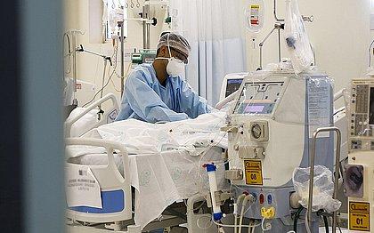 Brasil notifica 1.425 novas mortes pela covid-19 nas últimas 24 horas