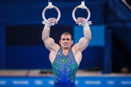 Arthur Zanetti cai e termina final das argolas dos Jogos de Tóquio